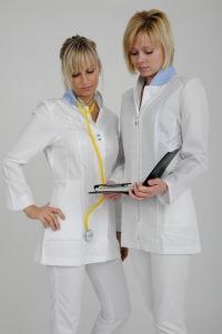 Krankenschwestern im Damenkasack